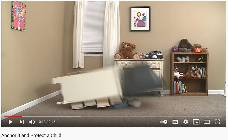 Babysicherheit: Fernseher gegen Umkippen sichern